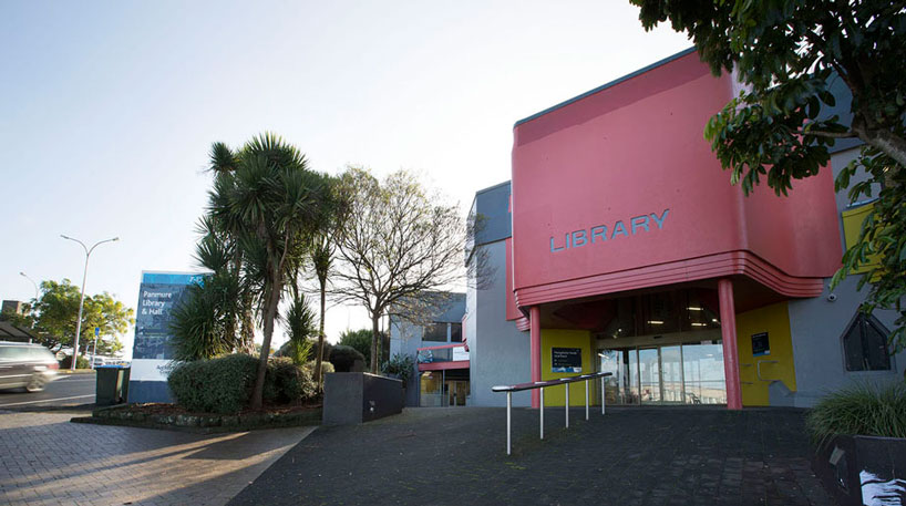 Panmure Library entrance